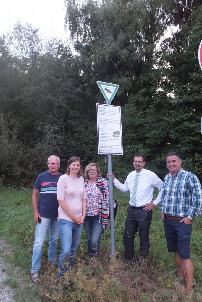 von links Klaus Heym (BI), Manuela Rottmann (MdB), Marion Becker (Kreisrätin), Landrat Jens Marco Scherf, Alexander Hess (BI)